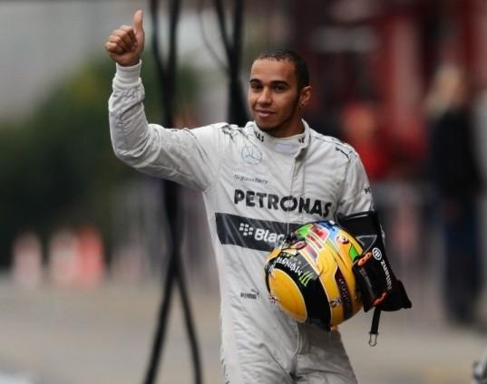 Lewis bo lahko obdržal trofeje