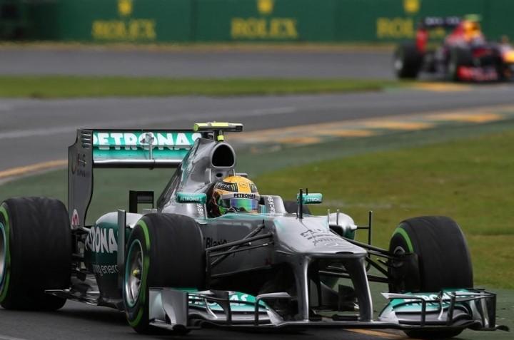 Hamilton zadovoljen s svojo dirko