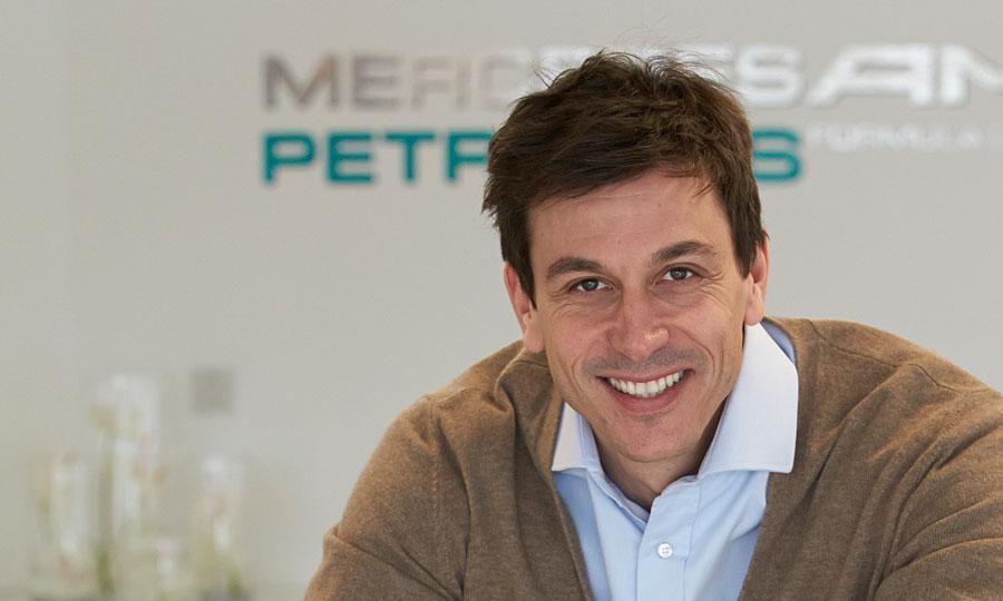 Pol Mercedesa za 2014