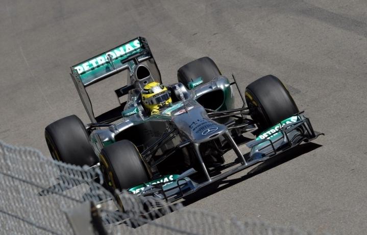 Rosberg najhitrejši na obeh prostih treningih