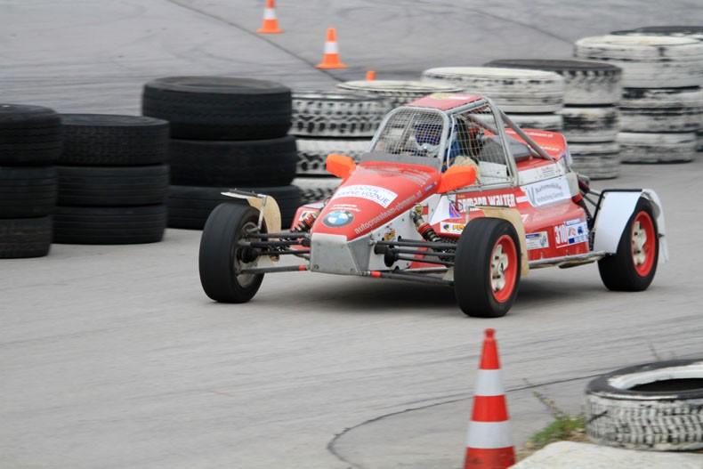 51 dirkačev na relikrosu v Logatcu