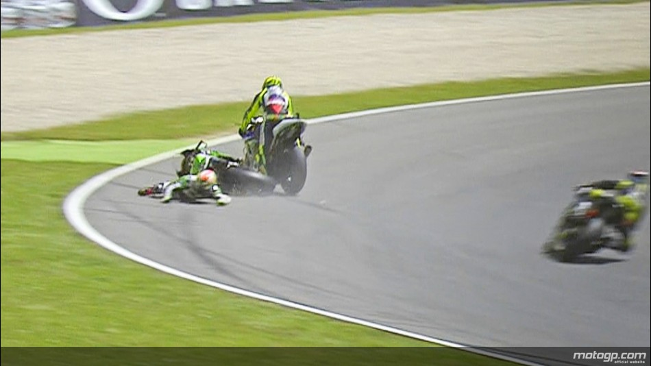 """Rossi zaključil """"domačo"""" dirko že v prvem ovinku"""