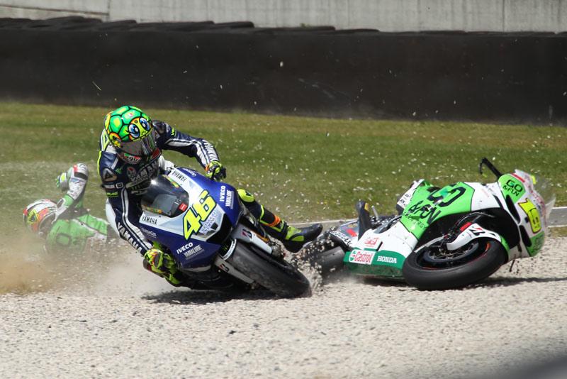 Video: MotoGP Mugello – Trčenje Rossija in Bautiste