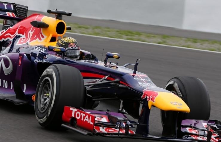 Vettel na drugem treningu vrnil udarec