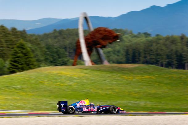 Avstrijska dirka pod vprašanjem