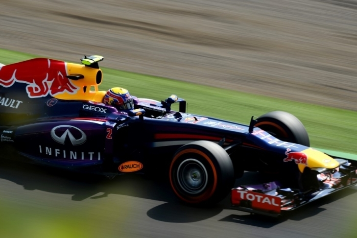 Webbru tretji trening, Vettel z okvaro