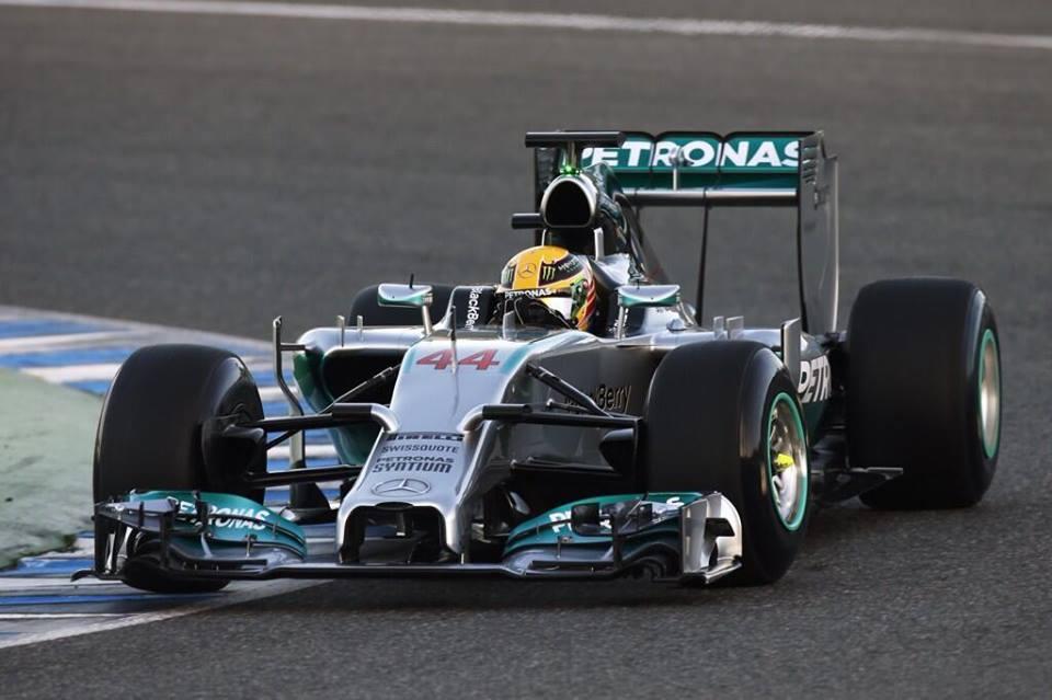 Mercedes: »Težave prednjega krilca so rešljive«