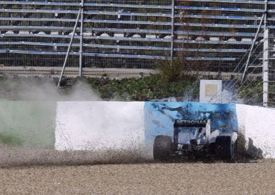 Mercedes predčasno zaključil testni dan