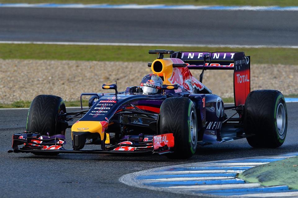 Red Bull pestijo tehnične težave