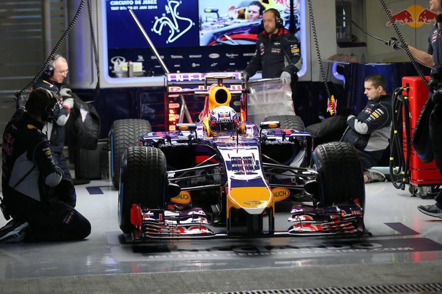 Red Bull prekinil testiranja