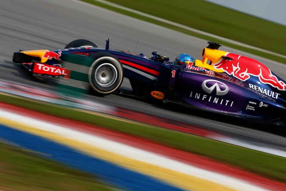 Jezni Red Bull razmišlja o Hondinih motorjih