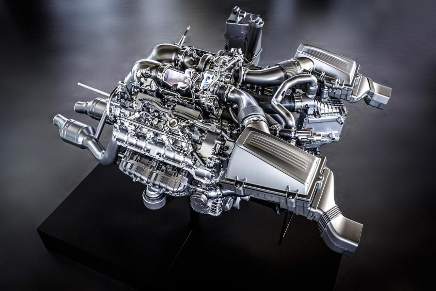 Mercedes – Benz GT AMG V8 Biturbo motor