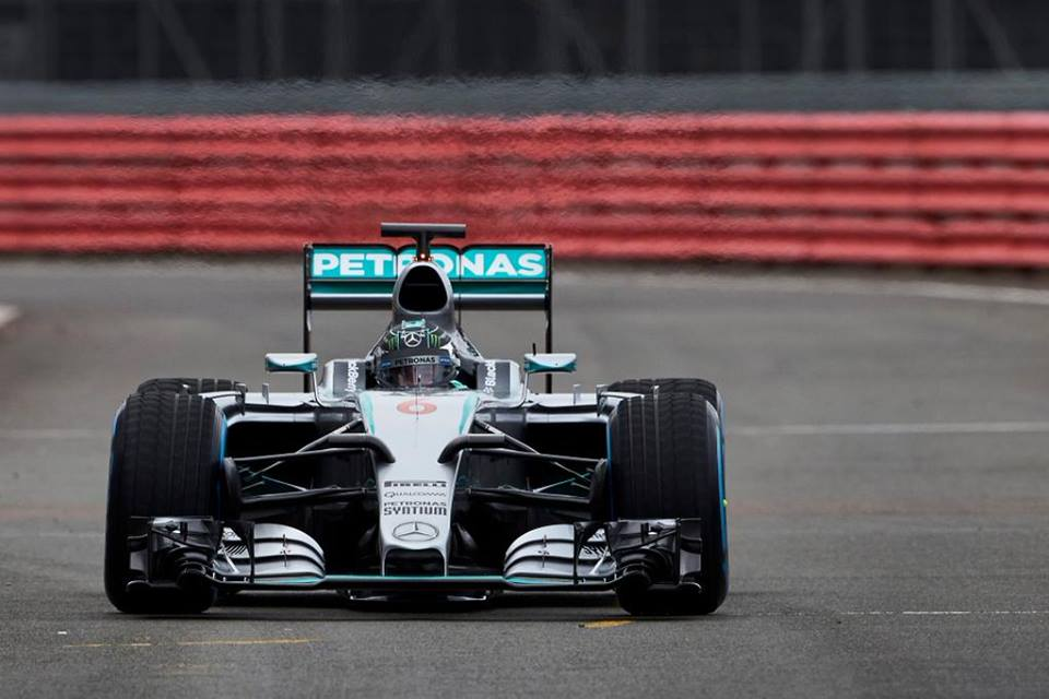 Prve slike Mercedesovega dirkalnika W06!
