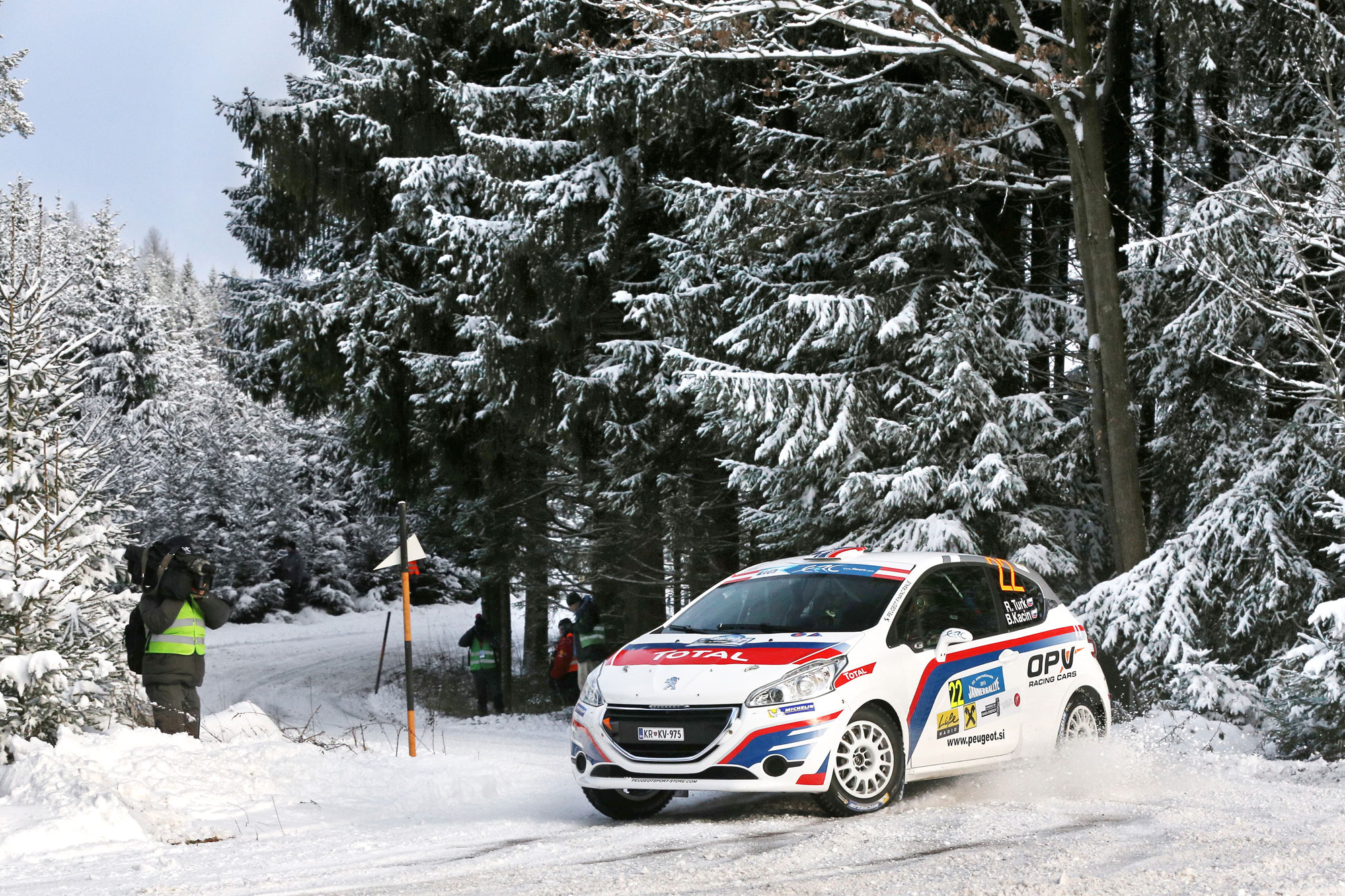 Smola za Roka Turka in prehiter konec uvodnega rallyja sezone v Avstriji