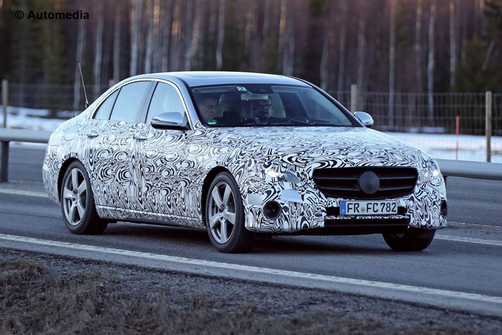 Mercedes vrača vrstne šestvaljnike