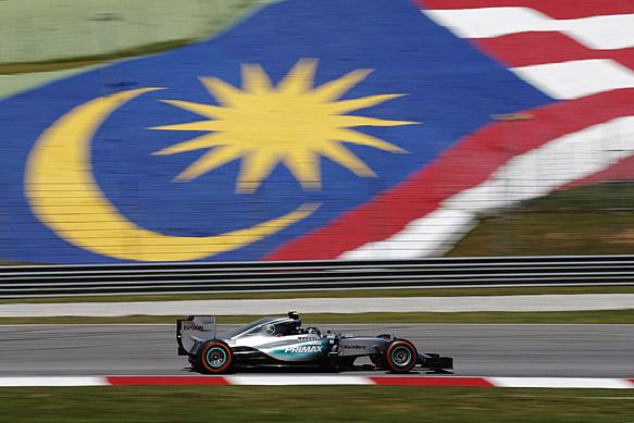 Najhitrejši Rosberg, Hamilton s težavami