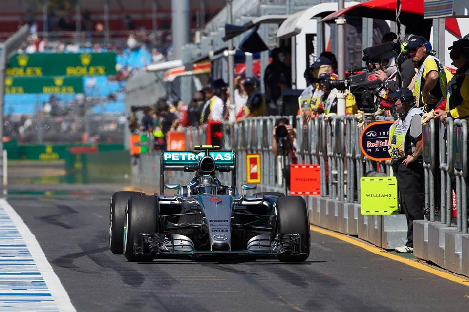 "Mercedes spet ""zafrknil"" Rosberga"