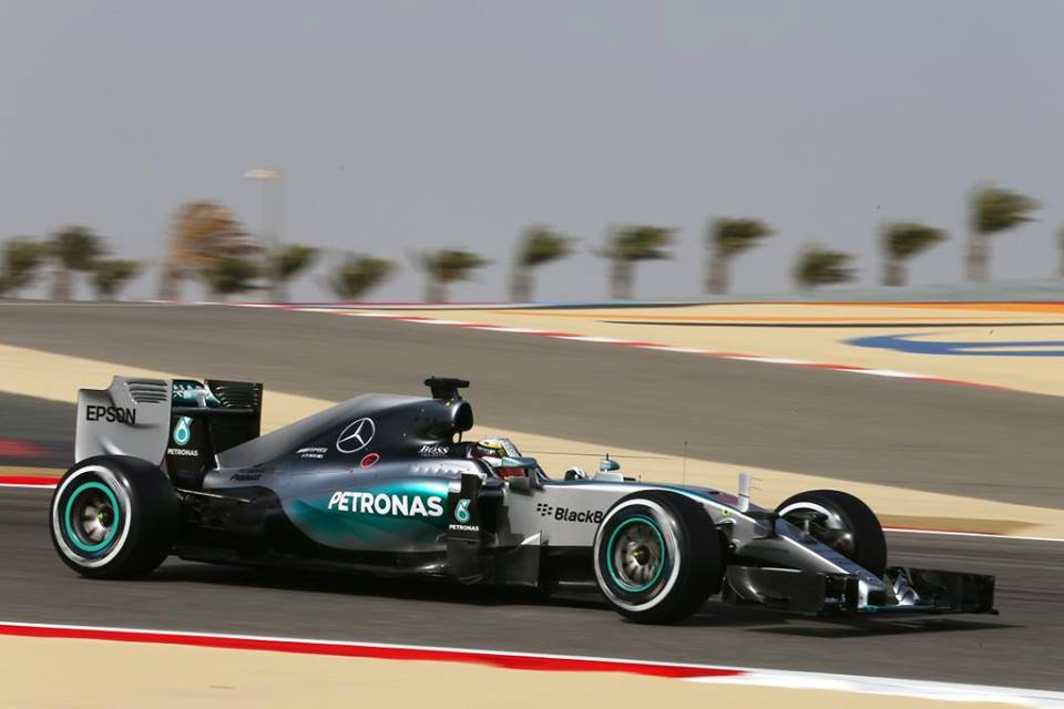 Pri Mercedesu zaradi težav z zavorami skoraj ob zmago
