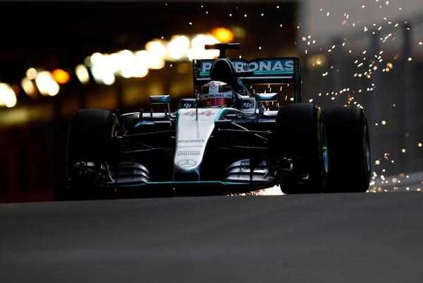 Hamilton ne pričakuje zapletov na kvalifikacijah