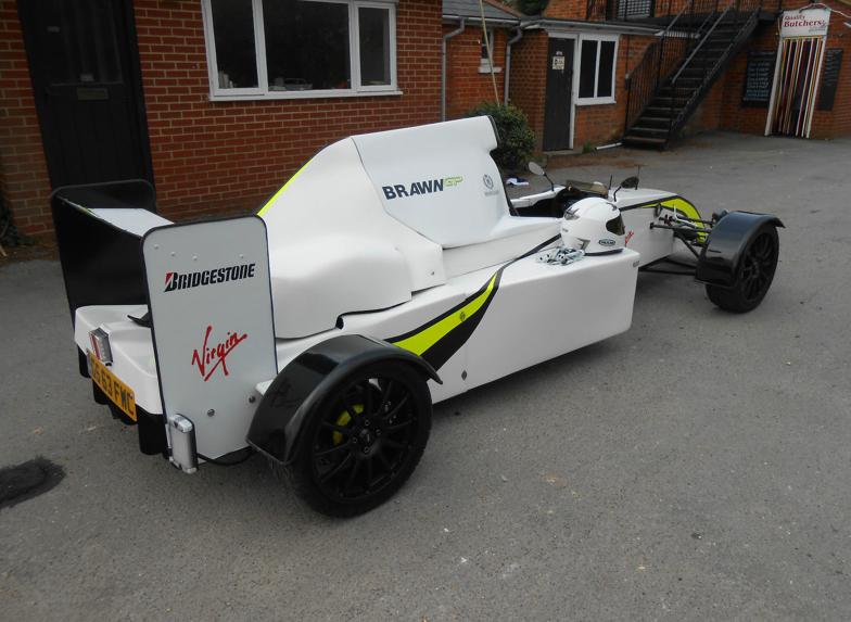 Naprodaj replika Brawnovega F1 dirkalnika