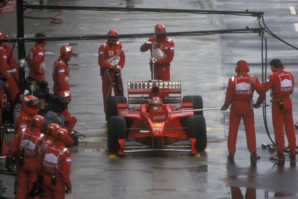 VIDEO: Bizarna zmaga Schumacherja v Silverstonu 1998