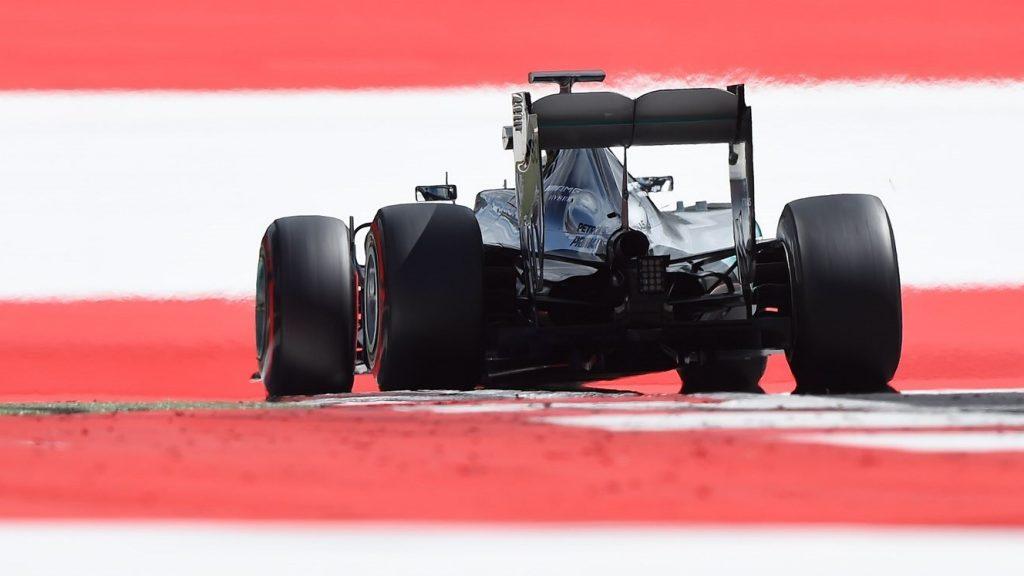 Rosberg zadržal Mercedes na vrhu testiranj