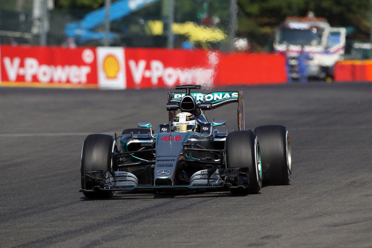 Hamilton najhitrejši na tretjem treningu v Spaju