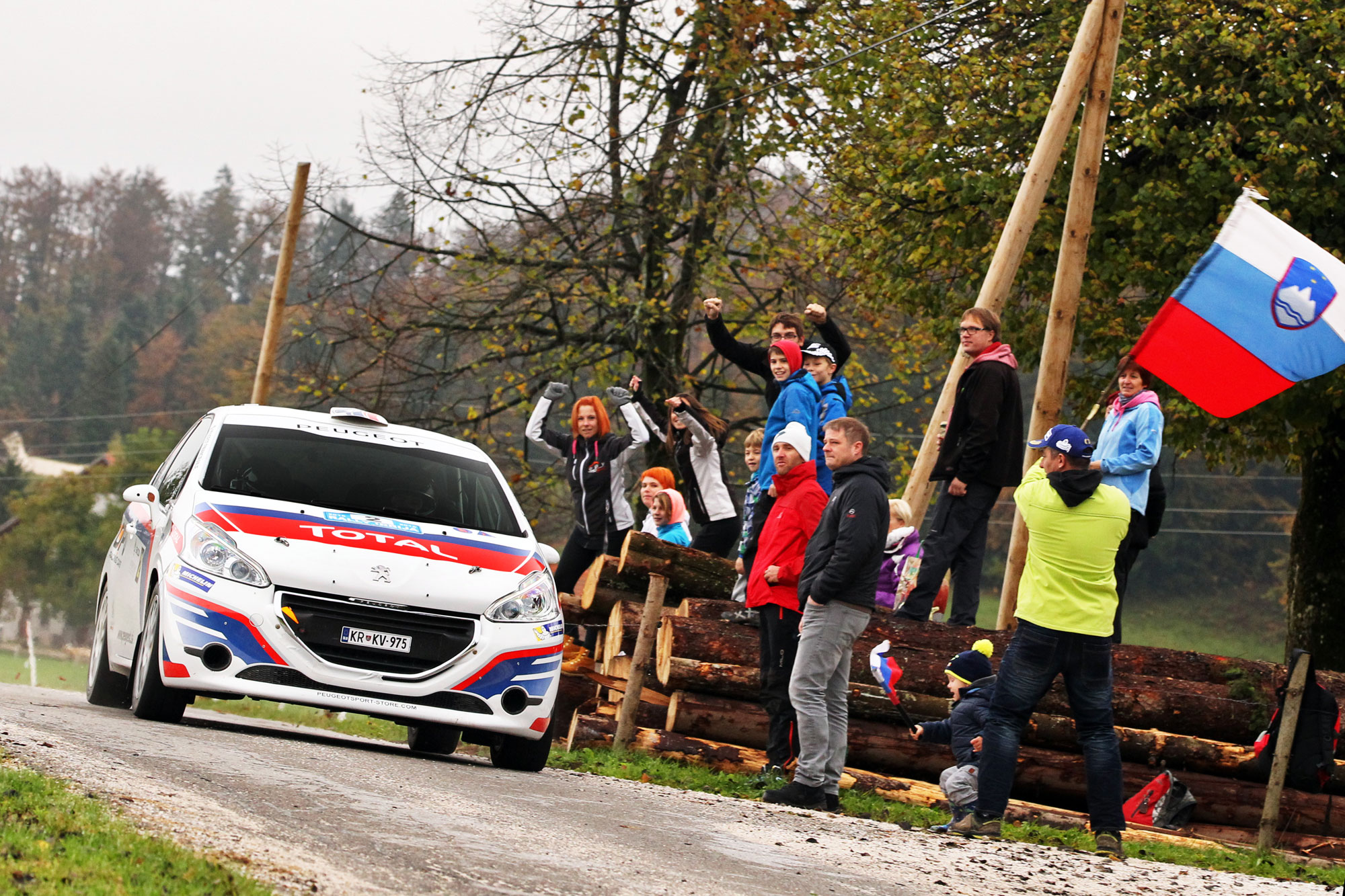 Zmaga v diviziji 2 in 5. mesto na rallyju Idrija