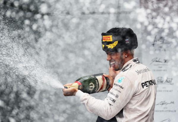 Hamilton še bližji naslovu letošnjega svetovnega prvaka