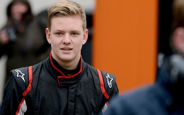 Schumacher se dogovarja za test z Alfo Romeo