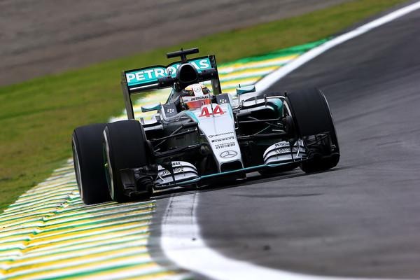 Hamiltonu prvi prosti trening v Braziliji