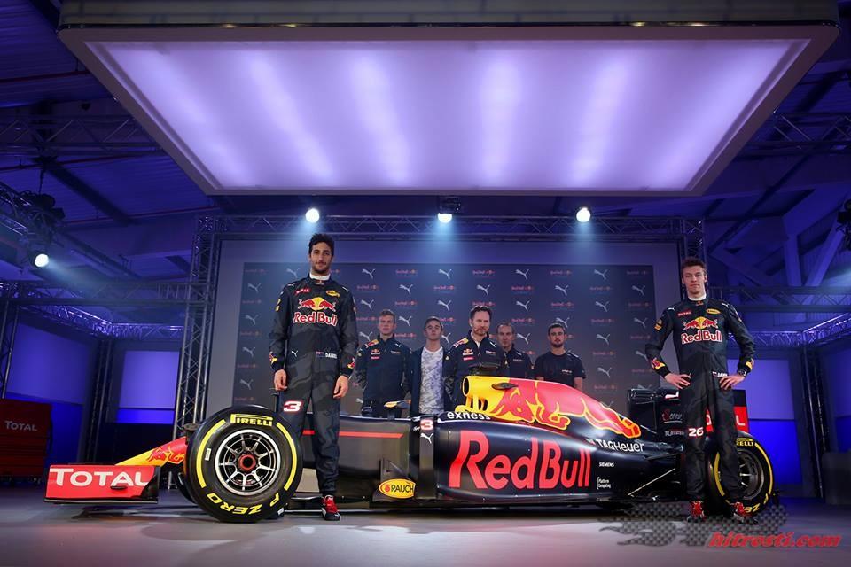 Red Bull razkril nove barve dirkalnika
