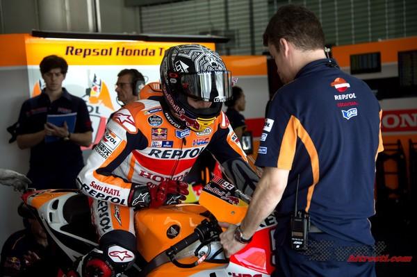 Marquezu nagajal nepredvidljiv motor