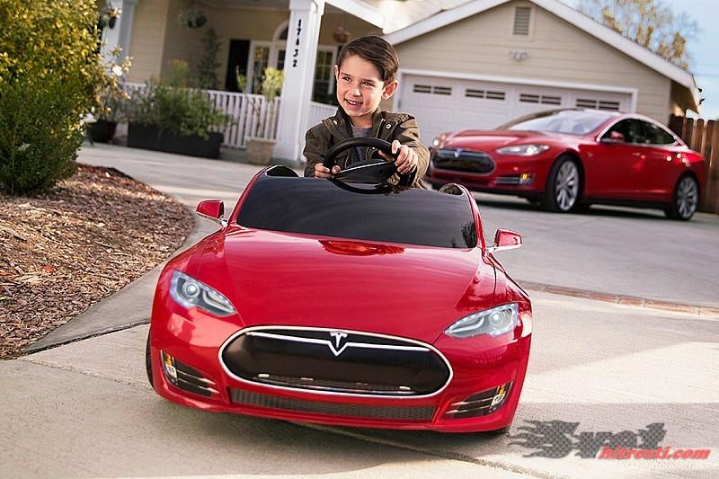 Miniaturna Tesla za otroke stane 450eur