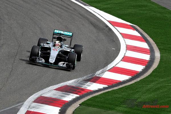 Hamilton najhitrejši, Mercedesa brez konkurence