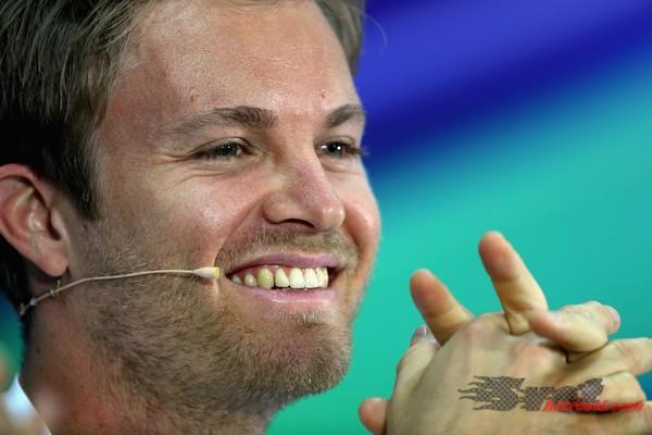 Rosberg najhitrejši na treningu polnem težav