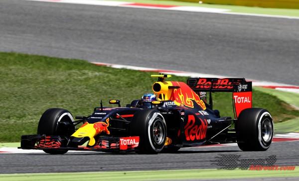 Red Bulla, Force Indiji in Bottas po kazni izven deseterice