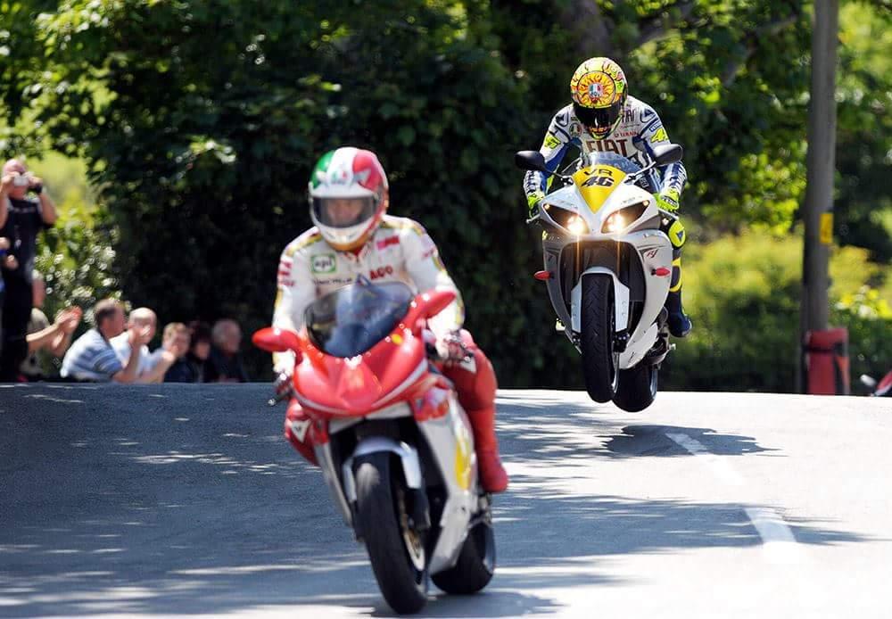 Rossi bi se vrnil na legendarno dirko na otoku Man