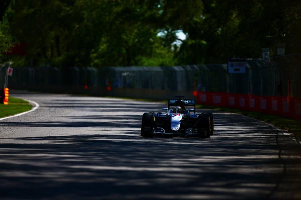 Hamilton najhitrejši na drugem treningu v Kanadi