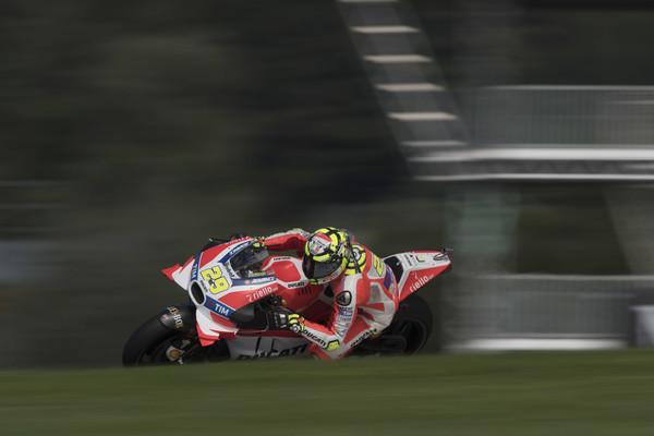 Iannone ugnal Doviziosa, Ducati slavil dvojno zmago