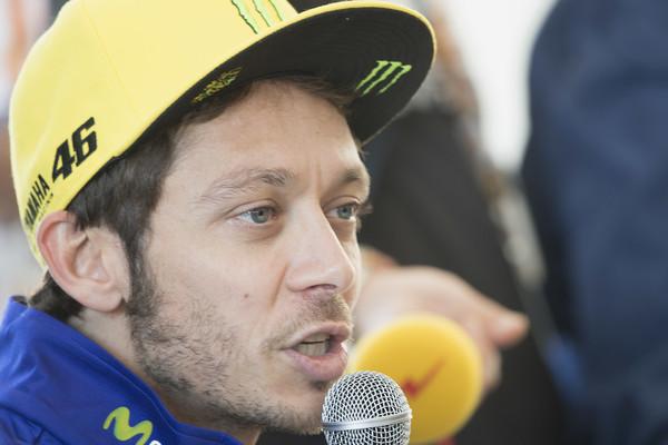 Valentino Rossi se spogleduje s prestopom v Formulo 1