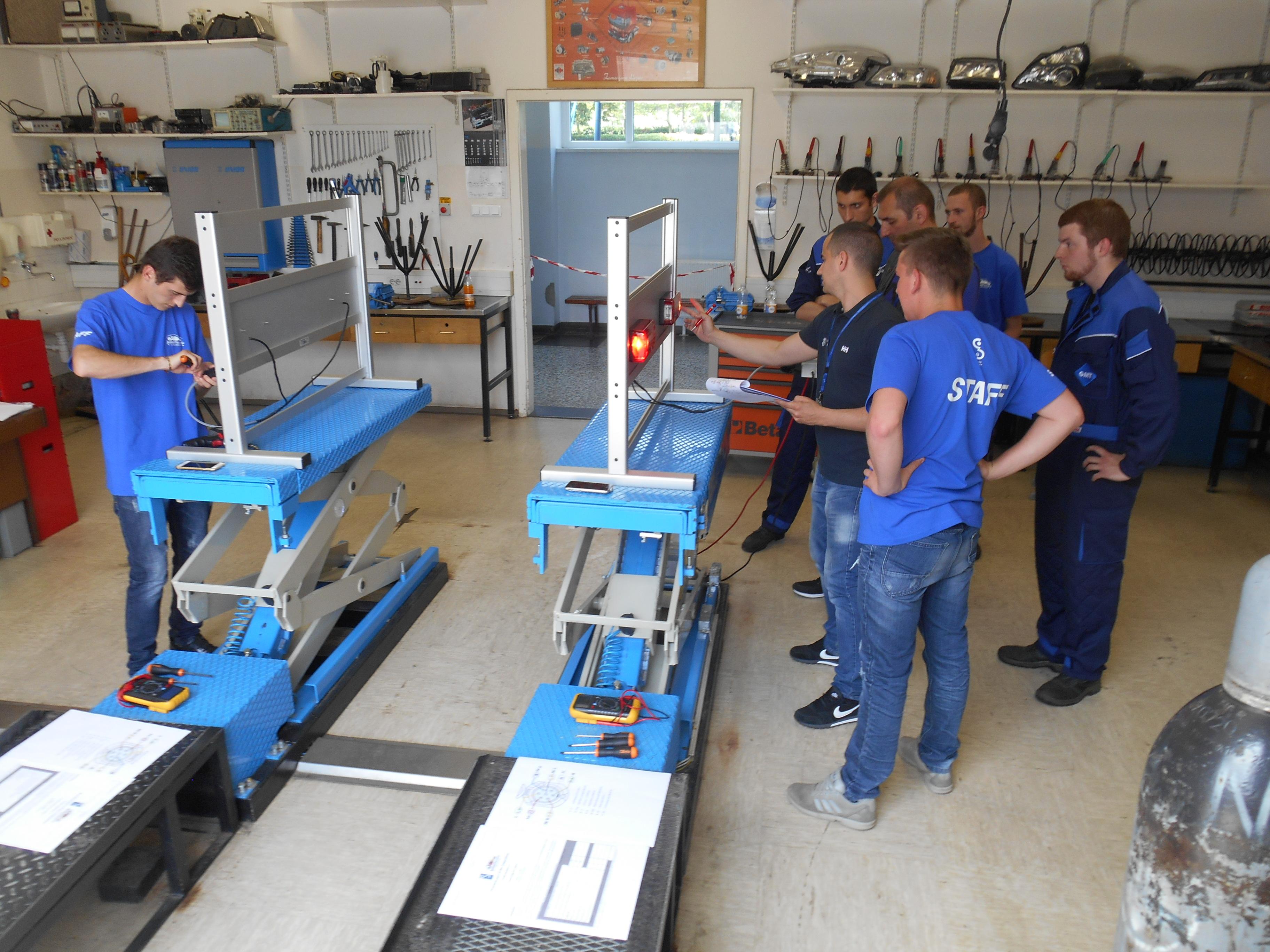 Bodoči mehaniki opravili zahtevne naloge tekmovanja Junior Mechanic