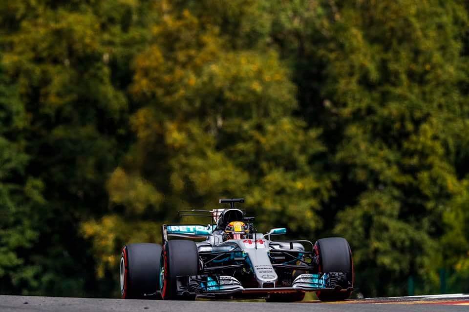 Hamilton dobil napet dvoboj v Spaju
