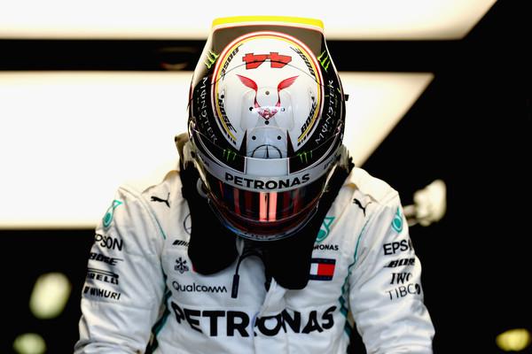 Hamilton na kvalifikacijah skoraj 0.7 sekunde pred vsemi