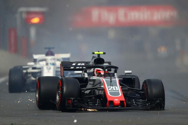 Brezkompromisni Magnussen: Umrl bom v dirkalniku
