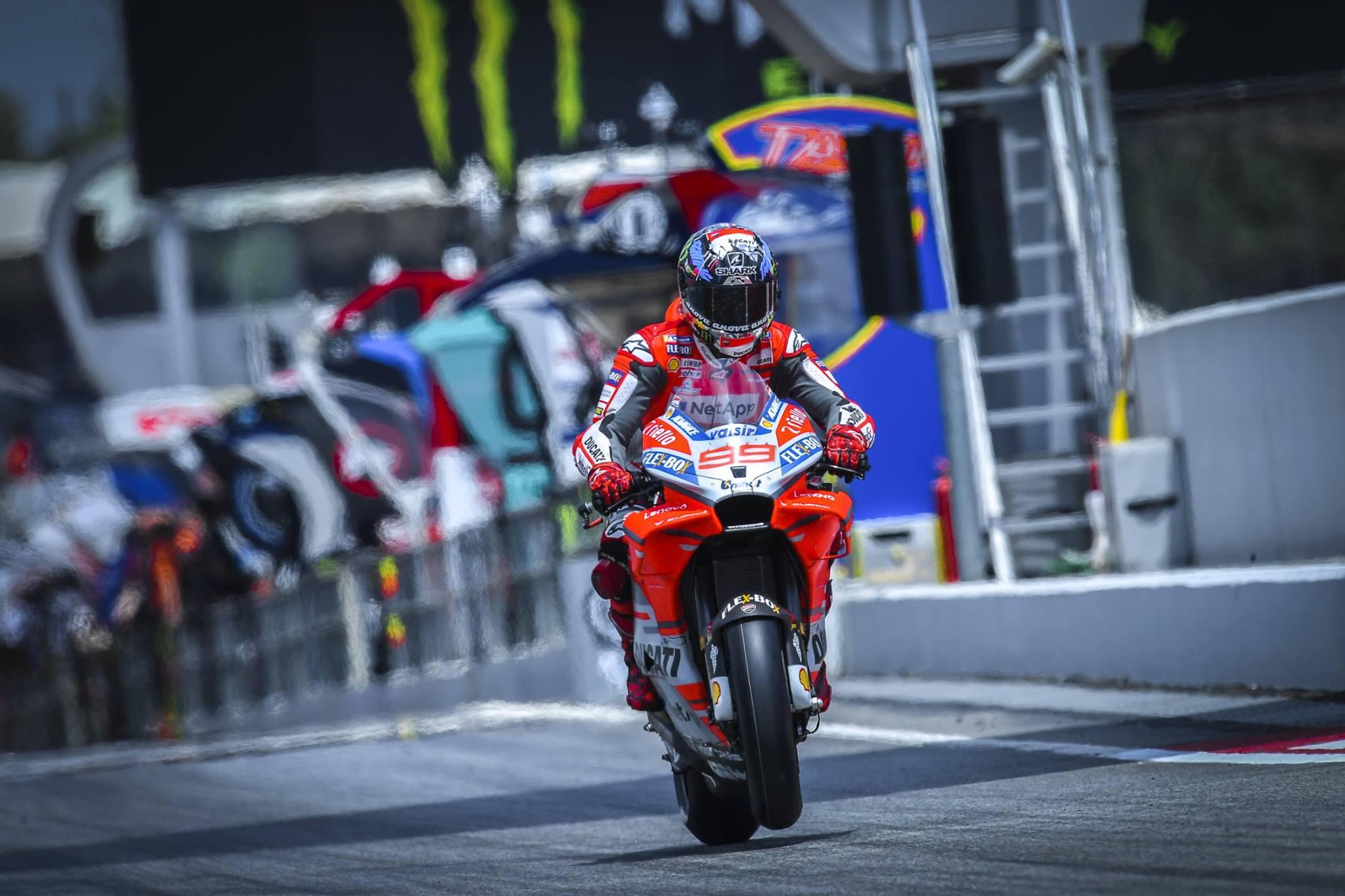 Rossi: Lorenzo je še v boju za naslov prvaka