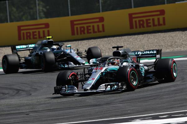 Mercedes si ne more privoščiti takšnih izgub – Hamilton