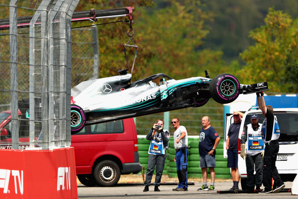 Izlet s steze ni bil kriv za okvaro – Hamilton