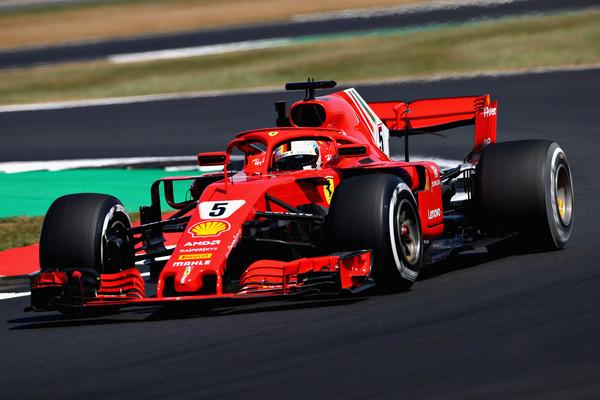 Vettel na vrhu drugega treninga
