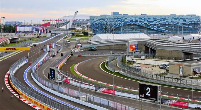 Ferrari 'spet' z agresivnim izborom pnevmatik